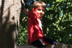 outside play children Providence Moms Blog