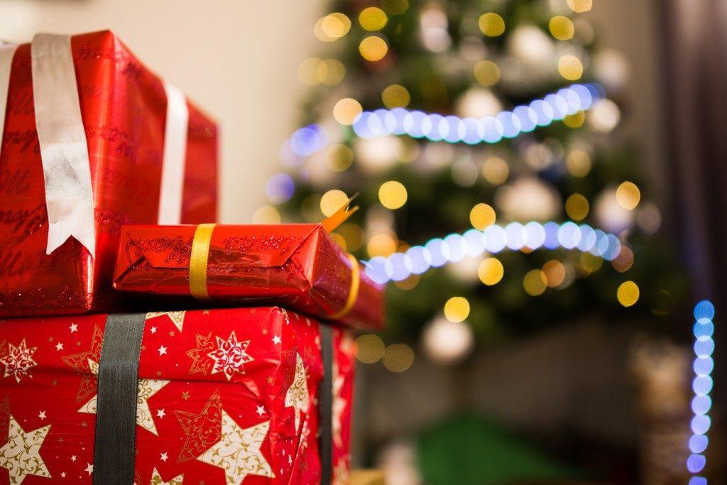 holiday stress sanity saving tips Providence Moms Blog