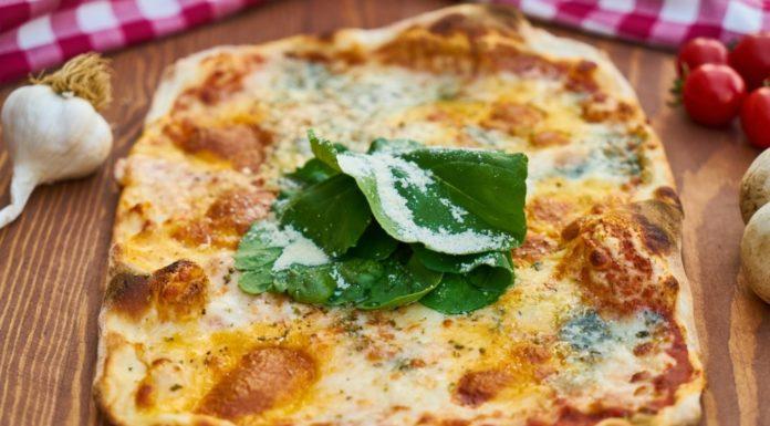 Flatbread Pizza in Munroe Dairy Recipe Post on Providence Moms Blog